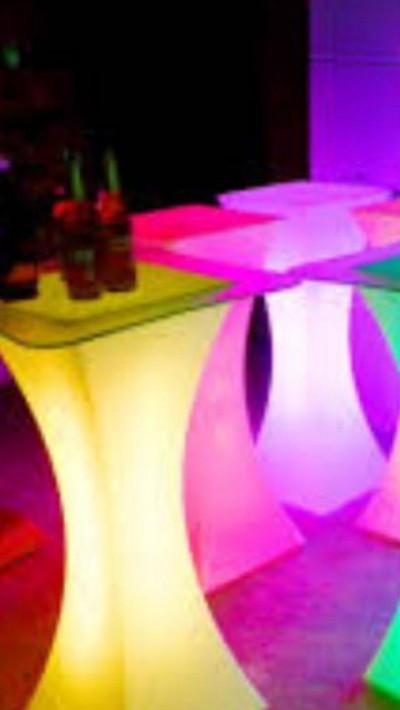 اجاره میزهای نورانی برای جشنها و مراسمهای شما